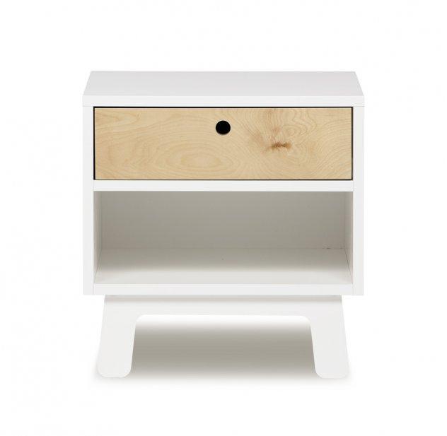 table de chevet chambre petite fille. Black Bedroom Furniture Sets. Home Design Ideas
