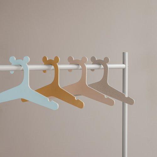 portant v tements enfant gris clair ferm living pour chambre enfant les enfants du design. Black Bedroom Furniture Sets. Home Design Ideas