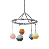 Mobile suspendu tricoté Ball - Multicolore