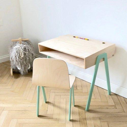 bureau et chaise enfant 2 6 ans mint in2wood pour. Black Bedroom Furniture Sets. Home Design Ideas