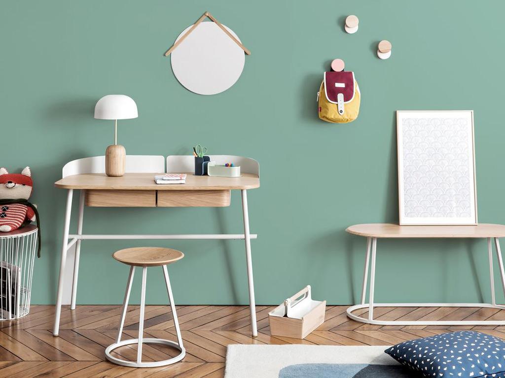 bureau enfant design bien choisir guide pratique de la rentr e. Black Bedroom Furniture Sets. Home Design Ideas