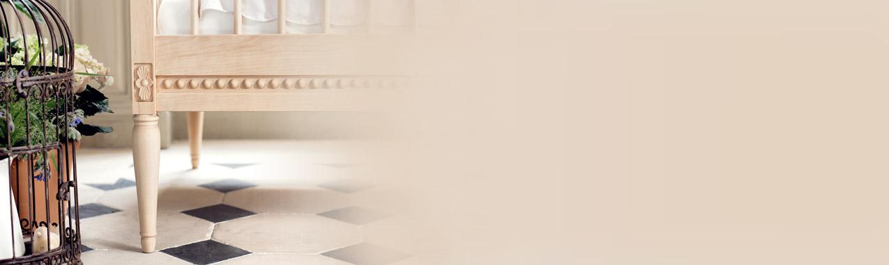 lit b b volutif et son matelas bouleau gustavienne pour chambre enfant les enfants du design. Black Bedroom Furniture Sets. Home Design Ideas
